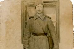 """Țurcan Feodosii a.n. 1916), soldat în Armata Română. loc. Văscăuți, jud. Soroca, Basarabia, Regatul României, anul 1937.  Sursa: Nicoleta Melentiev, elevă, IPLT """"Gh. Asachi"""""""