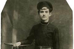 """Fratele lui Mihail Ursachi, loc. Camenca, Basarabia, Regatul României, anul 1921. Sursa: Mihai Flavia, cl.  a XII """"D"""", IPLT """"Gh. Asachi"""""""