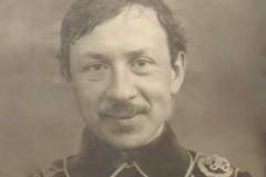 Alexandru Plămădeală, sculptor basarabean (portret).