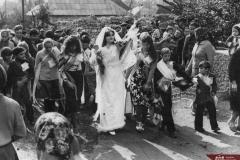 Secvență de la o nuntă în localitatea Podoima, raionul Camenca. Anul 1980. Foto: Mihai Potârniche. Sursa: Agenția Națională a Arhivelor, DGAN, Fototeca: c.a.  4736